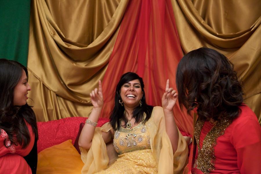 Henna Party London : Nikki s mehndi party � london wedding photographer